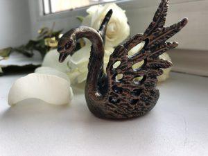 Слайд #2 | Подсвечник «Лебедь ажурный»